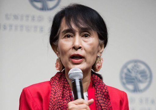 Aung San Suu Kyi - InsideBurma Tours