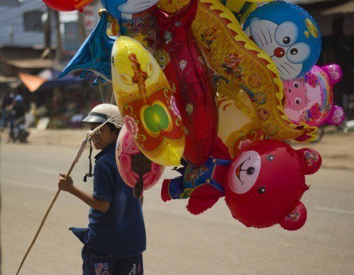 Tet balloon seller