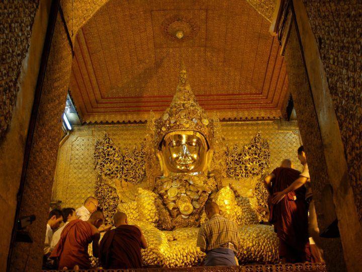 Tha Mahamuni Pagoda in Mandalay InsideBurma Tours