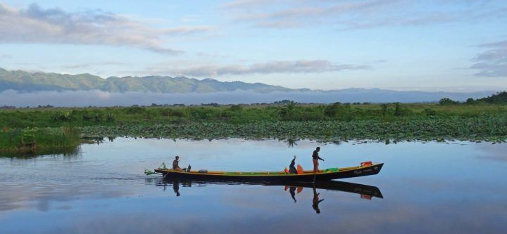 A traditional longtail boat on Inle Lake