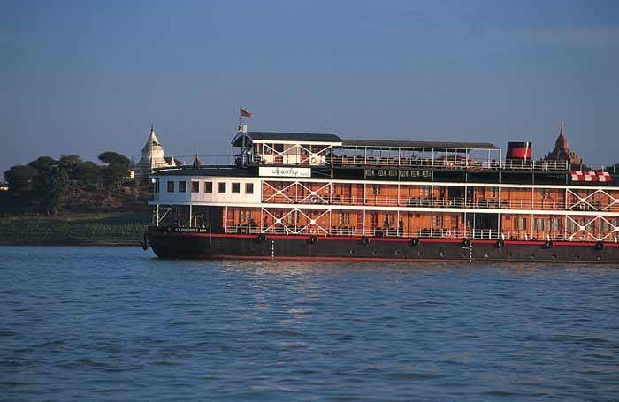 Travelling by boat in Burma