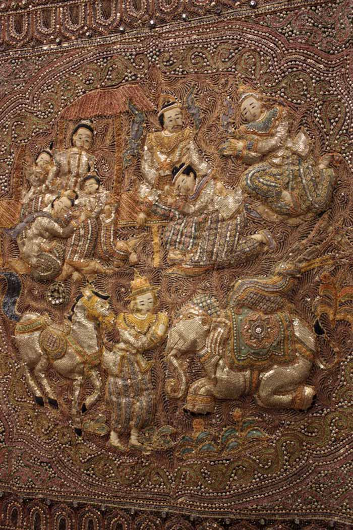 Intricate kalaga tapestry (Photo: www.liveauctioneers.com)