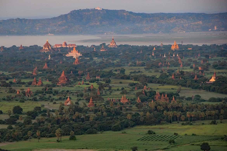 Enchanting Bagan (Photo: Lesley & Alistair Greenhill)