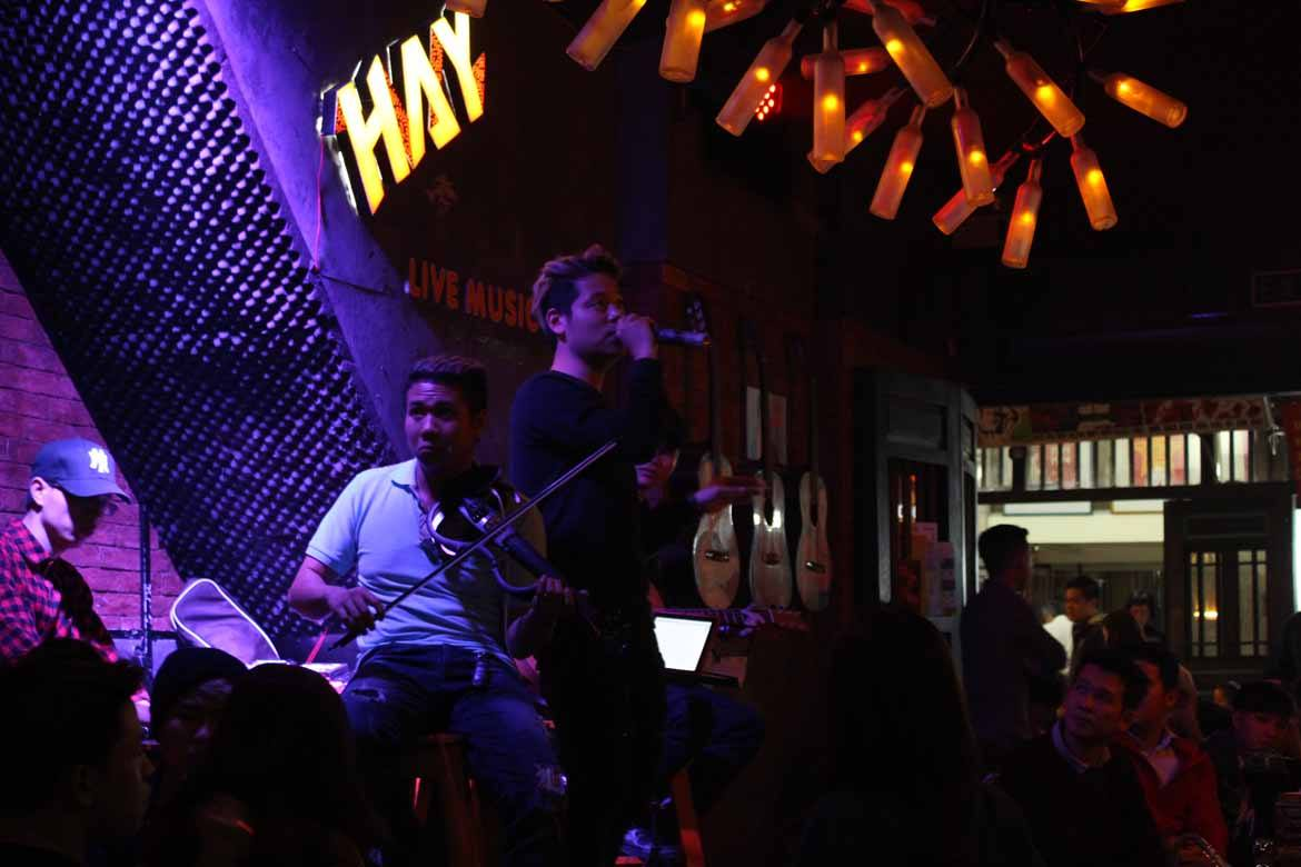 Catch some live music in a tiny bar