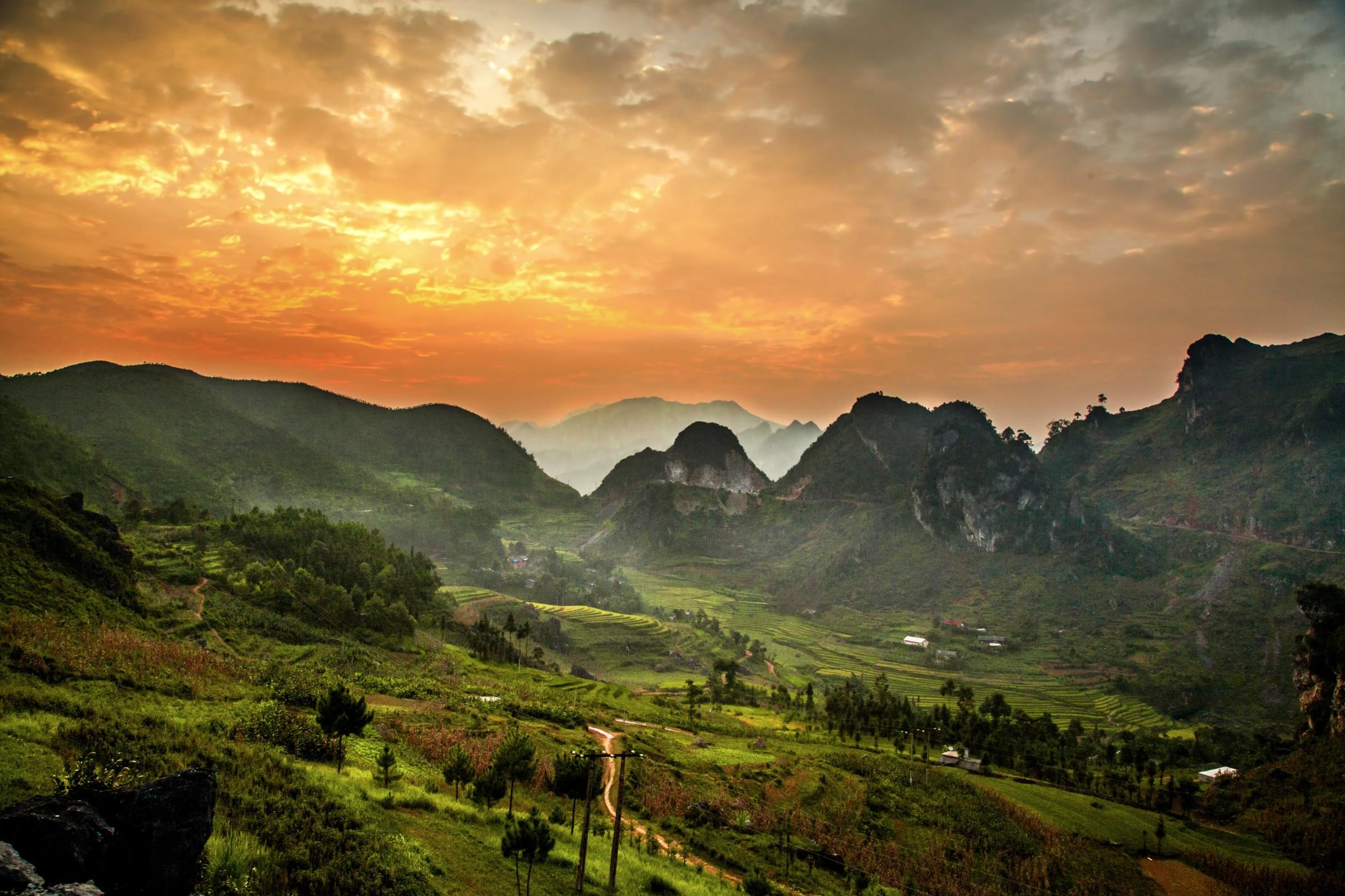 dong van valley vietnam